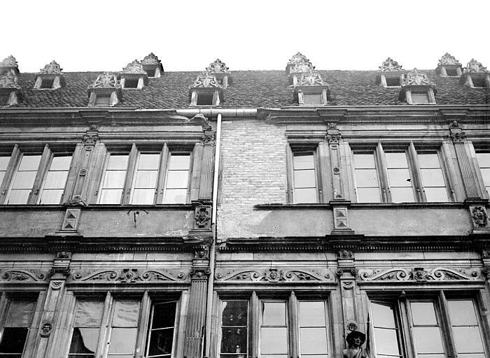 Monuments historiques et b timents prot g s de strasbourg for Chambre de commerce strasbourg