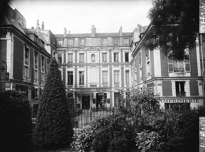 Le troisième arrondissement de Paris vu par Adam dans Photographies du Paris d'hier et d'aujourd'hui sap01_mh135724_p
