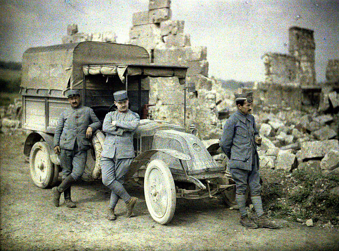 WAFF | World's Armed Forces Forum: Colour WWI photos (must see!!)