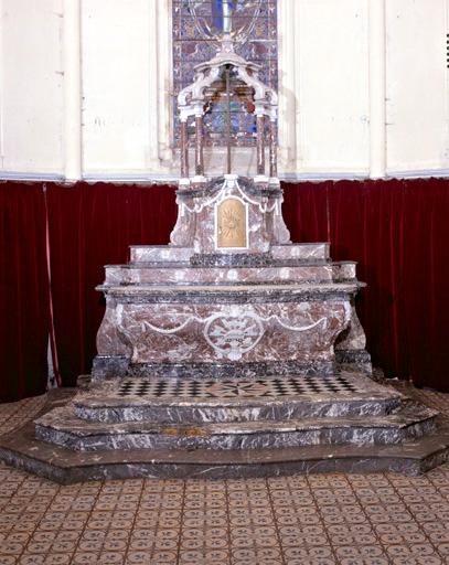 autel, tabernacle, retable et 2 gradins d'autel (maître-autel)