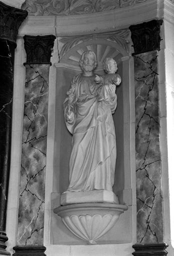 statue : saint Joseph et l'Enfant