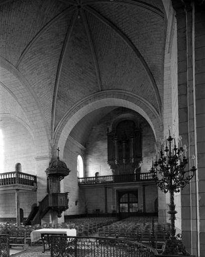 église paroissiale Saint-Pierre et Saint-Laurent