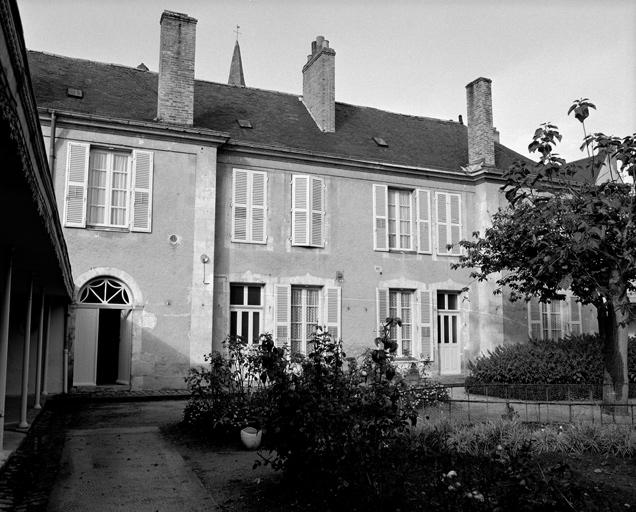 dit hôtel Leroyer de la Guignerie, puis dit la Cour Mercier