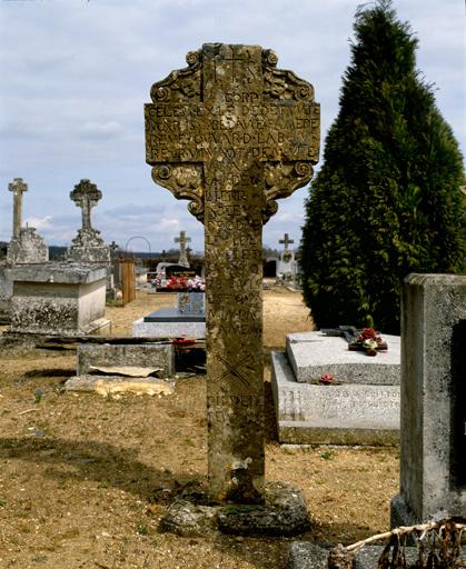 croix monumentale dite croix funéraire n°3