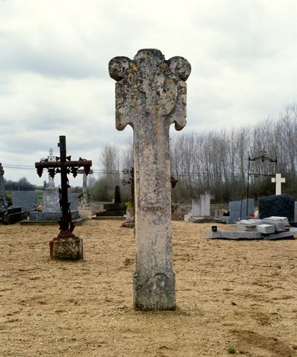 croix monumentale dite croix funéraire n°2