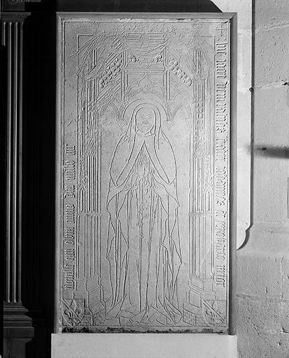 dalle funéraire (n° 1) de Jean de Corrobert