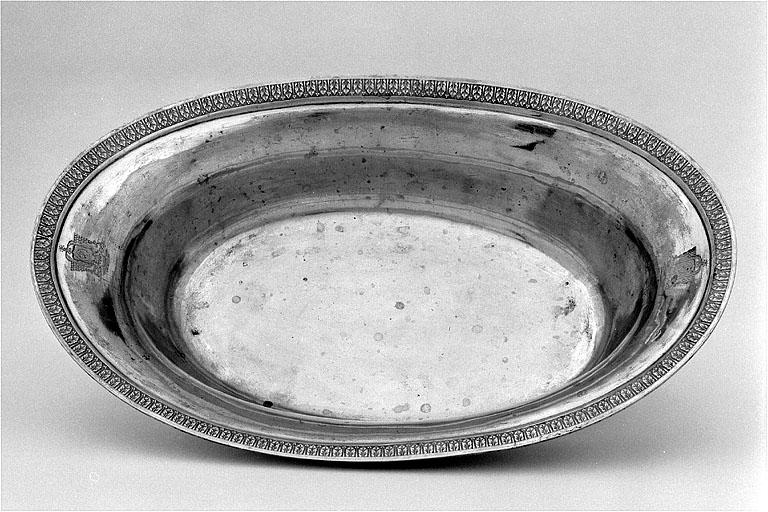 aiguière à ablutions et bassin à ablutions de Monseigneur Antoine-Jacques de Chamon