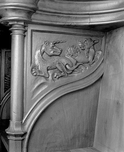 ensemble des 24 bas-reliefs des parcloses des stalles nord