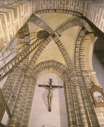 prieuré du Rosaire, église paroissiale Saint-Pierre actuellement maison