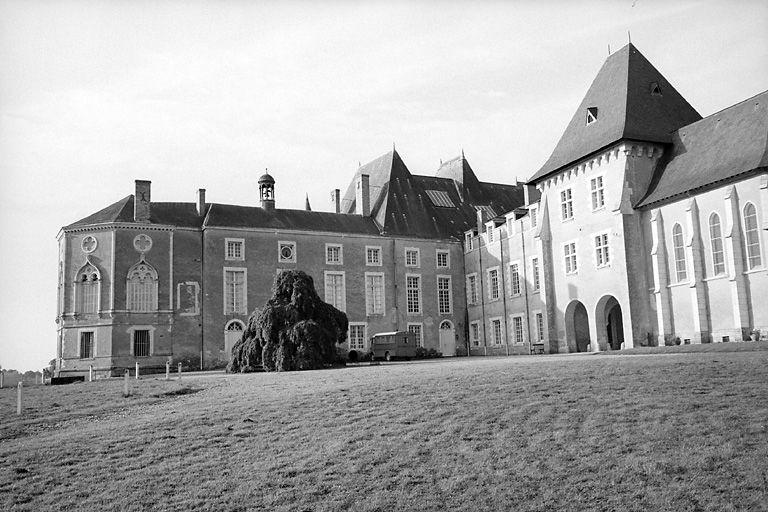 château fort ; château Saint-Michel actuellement maison