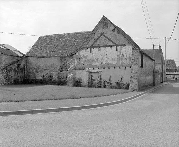 presbytère, puis maison, actuellement mairie