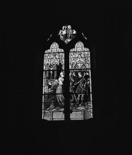 ensemble de 2 verrières : sainte Clotilde en prière