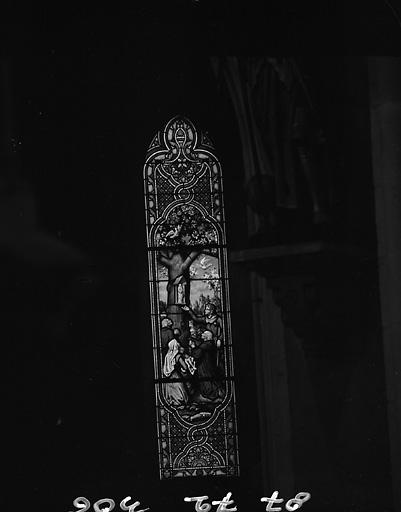 ensemble de 2 verrières : Vierge à l'Enfan dite Notre-Dame du Chêne ; Vierge dite Notre-Dame de Lourdes