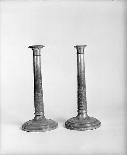 ensemble de 2 chandeliers d'autel