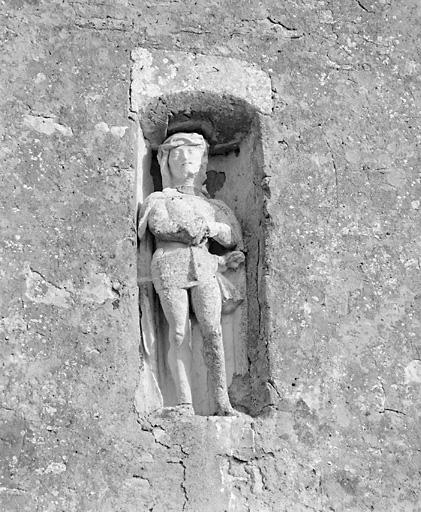 statue : Christ souffrant
