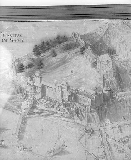 château fort ; château dit château de Sablé, puis usine, atelier, actuellement bibliothèque
