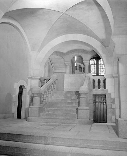 Prieuré Saint-Pierre, abbaye de bénédictins