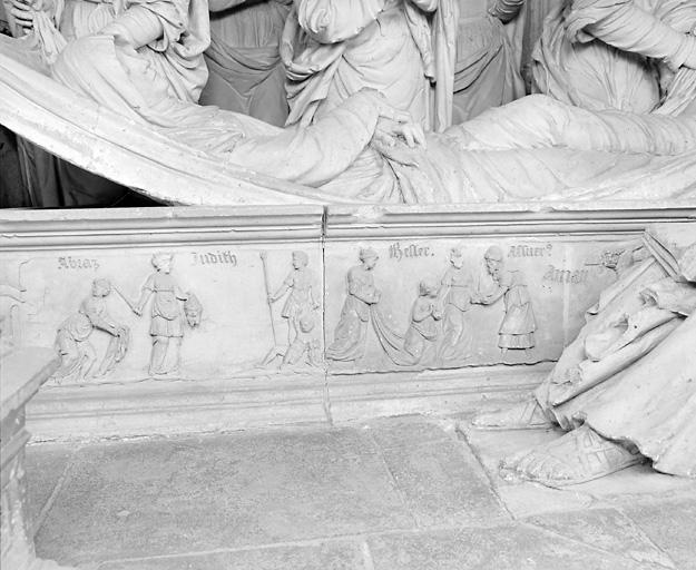 ensemble de 4 demi-reliefs : Jésus chez Marthe et Marie, Salomon et Bethsabée, Judith portant la tête d'Holopherne, Esther et Assuerus devant Aman sur le gibet