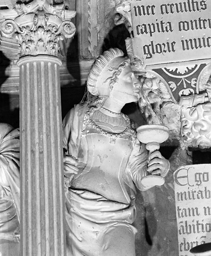 groupe sculpté : Triomphe de la Vierge