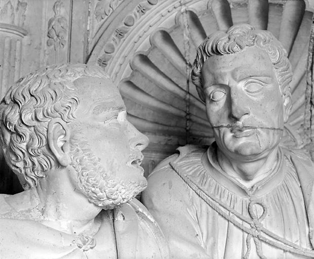 groupe sculpté : Pâmoison de la Vierge