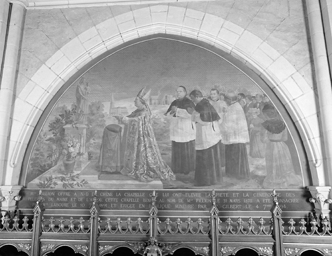 ensemble de 8 tableaux : James Buret place Notre-Dame-du-Chêne dans le chêne, Apparition de Notre-Dame-du-Chêne à une femme, Urbain de Laval-Bois-Dauphin fait reconstruire la chapelle en ruine, Voeu d'Elisabeth de Quatre-Barbes, Guérison d'un enfant contrefait par Notre-Dame-du-Chêne, Miracle des cierges s'allumant tout seuls, Chute du charpentier venu démolir la chapelle, Monseigneur Fillion offre la nouvelle chapelle à Notre-Dame-du-Chêne