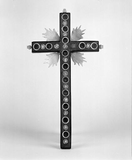 croix n° 1 : crucifix