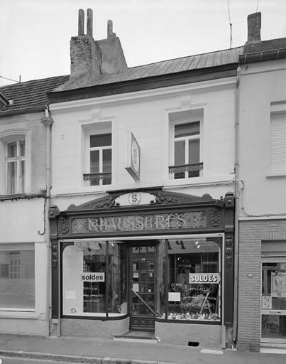 Maison magasin de commerce monument historique de bavay actuacity - Magasin amenagement maison ...