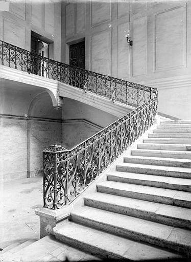 Photo de 4ème escalier du monument Abbaye aux Hommes (ancienne) Caen
