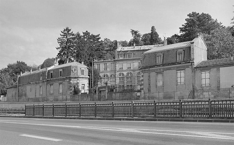 Monuments historiques et bâtiments protégés de Lonsle