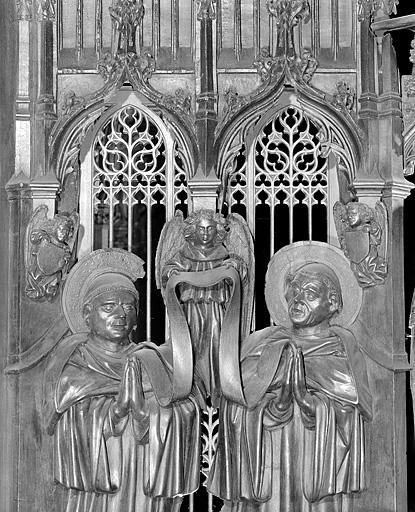 ensemble des 12 bas-reliefs des jouées des stalles sud