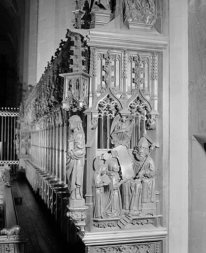 ensemble des 12 bas-reliefs des jouées des stalles nord
