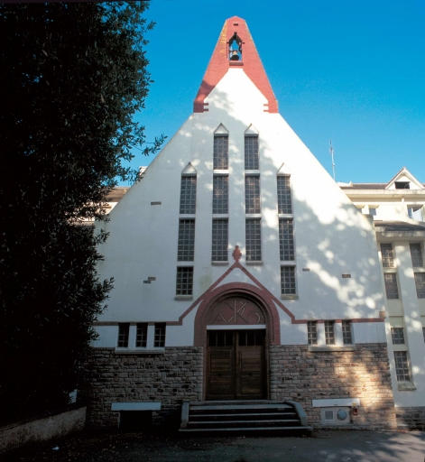 manoir, puis école maternelle, collège, lycée dits Institution Notre-Dame de Kerbertrand