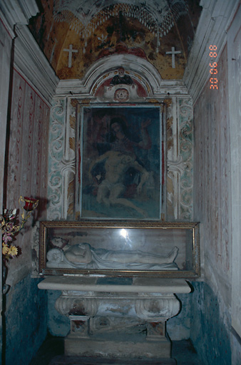 ensemble de l'autel secondaire de la Vierge de Pitié
