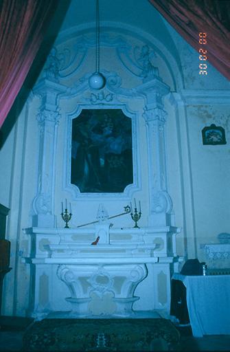 ensemble de l'autel secondaire de saint Nicolas