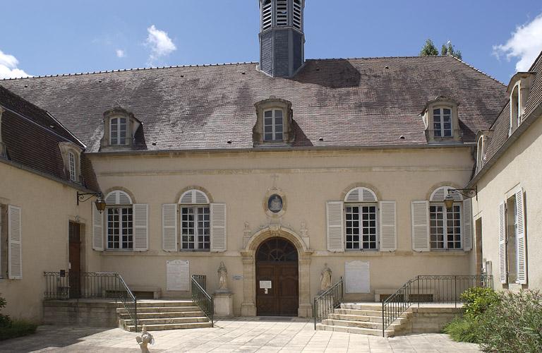 hôpital Saint-Nicolas, puis hôpital local