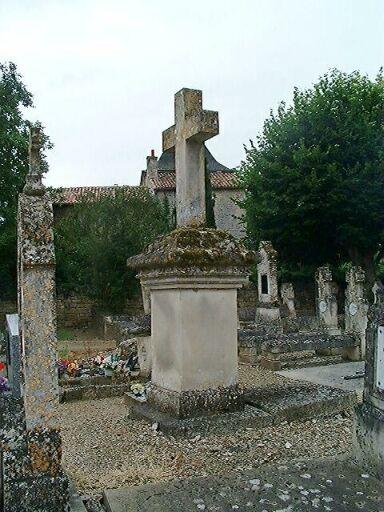 Tombeau de François-Casimir Queuille, croix de cimetière