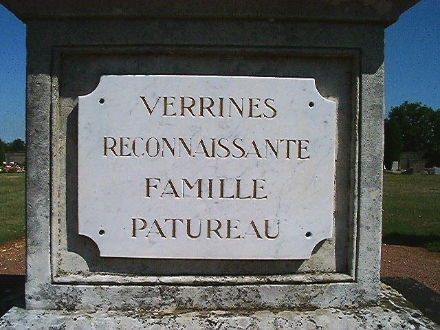Monument commémoratif de la famille Patureau ; monument aux morts de la guerre 1870