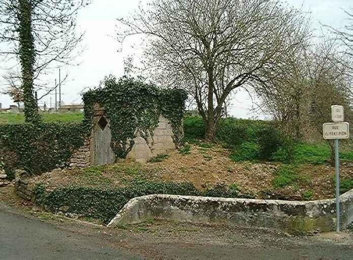 Fontaine dite du Font Pion