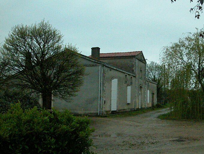 Distillerie d'alcool de betteraves Braconnier, puis maison