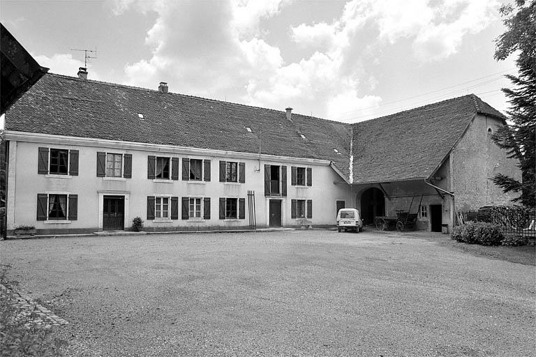moulin à farine, puis minoterie Fleury, actuellement maison