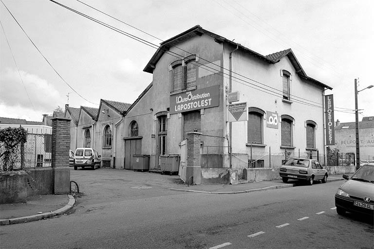 usine de préparation des produits textiles Bühl et Cie, puis Bühl-Ochs Veuve et Cie, puis usine d'apprêt des étoffes Pfeiffer et Kaltenbach, actuellement magasin de commerce et garage de réparation automobile