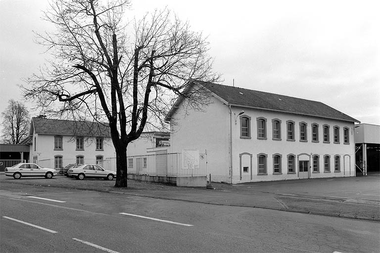 usine métallurgique dite forges de Belfort, puis usine de teinturerie, de blanchiment et d'impression sur étoffes Steiner et Cie, actuellement laiterie industrielle de la Centrale laitière de Franche-Comté