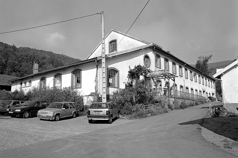 tissage de coton Briot et Cie, actuellement Centre d'Aide par le Travail (usine de menuiserie)