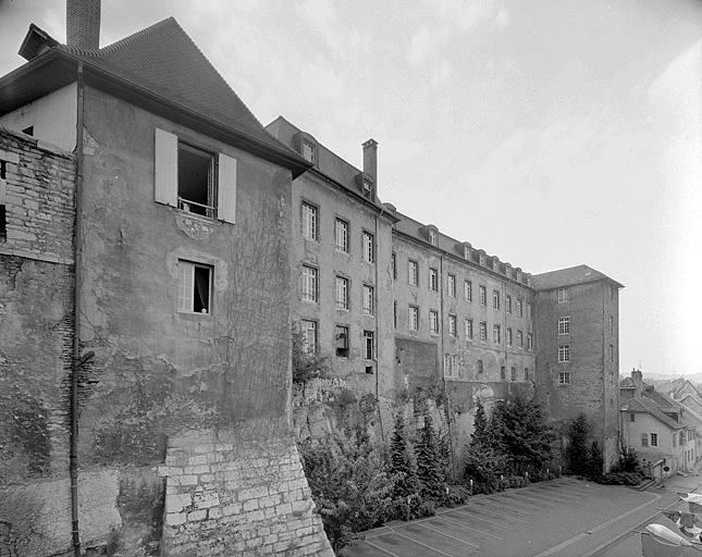 château fort dit Châtel-Devant