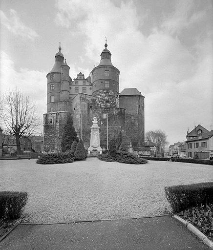 château fort dit Châtel-Derrière