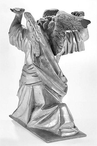ensemble de 2 statues : anges adorateurs en atlante