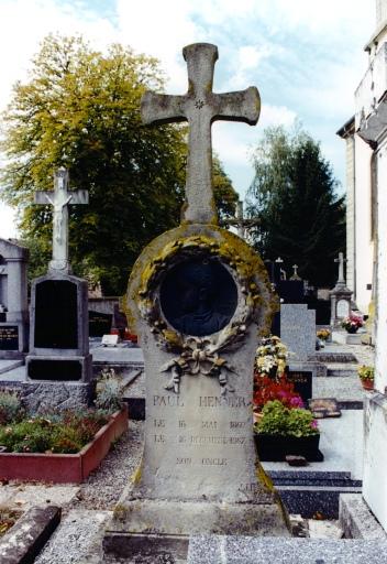 monument funéraire de Paul Henner