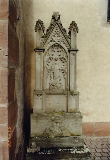 Monument sépulcral du curé François-Joseph Brucker