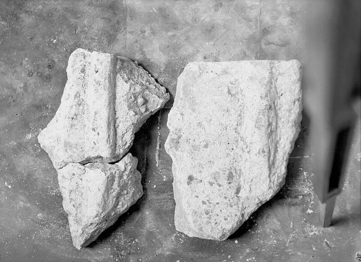 Visite des sépultures mérovingiennes, dans la zone des fouilles archéologique, sous la basilique - - samedi 10 décembre 2011  –  Sap01_52p00432_p