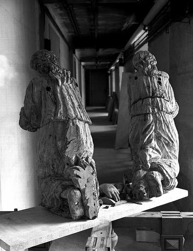 2 statues : Anges adorateurs